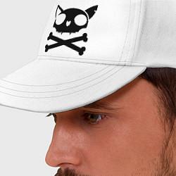 Бейсболка Кошачий пиратскй флаг цвета белый — фото 2