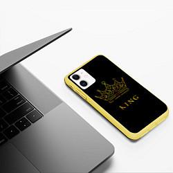 Чехол iPhone 11 матовый KING цвета 3D-желтый — фото 2