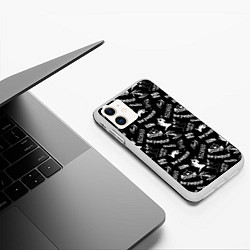 Чехол iPhone 11 матовый KIZARU HAUNTED FAMILY цвета 3D-белый — фото 2