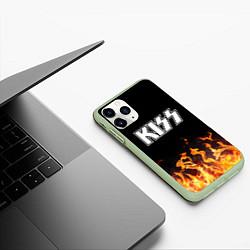 Чехол iPhone 11 Pro матовый Kiss: Hell Flame цвета 3D-салатовый — фото 2