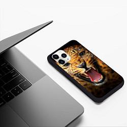 Чехол iPhone 11 Pro матовый Рык леопарда цвета 3D-черный — фото 2