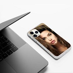 Чехол iPhone 11 Pro матовый Анжелина Джоли цвета 3D-белый — фото 2