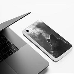 Чехол iPhone 6/6S Plus матовый Воющий волк цвета 3D-белый — фото 2