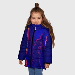 Куртка зимняя для девочки Ультрафиолетовые разводы цвета 3D-черный — фото 2
