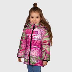 Куртка зимняя для девочки Black Pink: Abstract Flowers цвета 3D-черный — фото 2