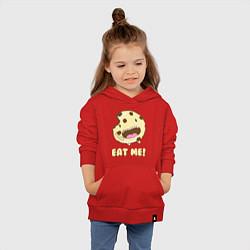 Толстовка детская хлопковая Cake: Eat me! цвета красный — фото 2