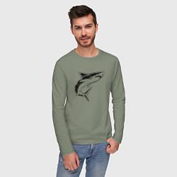 Лонгслив хлопковый мужской Акула цвета авокадо — фото 2