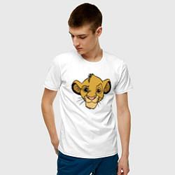 Мужская хлопковая футболка с принтом Львенок Симба, цвет: белый, артикул: 10266103300001 — фото 2