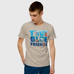 Футболка хлопковая мужская True Blue Friends цвета миндальный — фото 2
