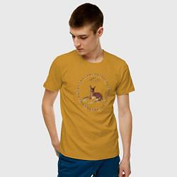 Футболка хлопковая мужская Bambi цвета горчичный — фото 2