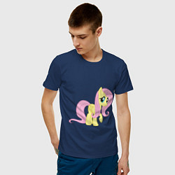 Футболка хлопковая мужская Пони пегас Флаттершай цвета тёмно-синий — фото 2
