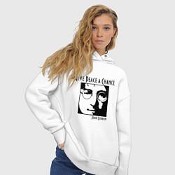 Толстовка оверсайз женская Give Peace a Chance цвета белый — фото 2