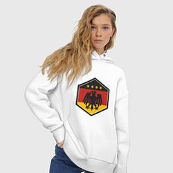 Толстовка оверсайз женская Немецкий фанат цвета белый — фото 2