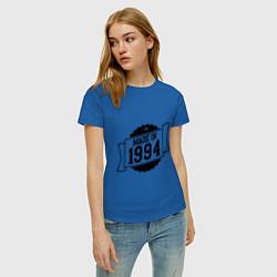 Футболка хлопковая женская Made in 1994 цвета синий — фото 2