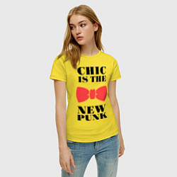Футболка хлопковая женская Chic is the new punk цвета желтый — фото 2